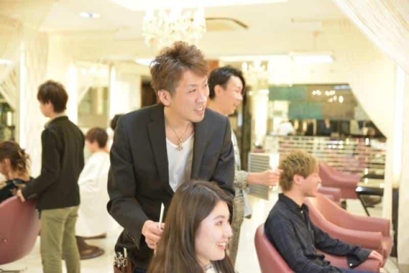 美容室QUALIS 赤塚店求人画像
